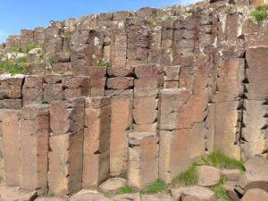 Giants_Causeway_basalt_columns_small